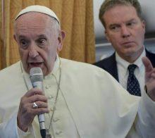Papa falou a jornalistas após visita a Genebra