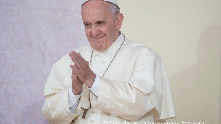 Papa: fim de semana com os jovens, em vista do Sínodo