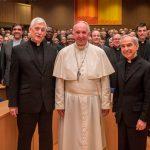 'Há um plano para forçar Papa Francisco a renunciar', denuncia superior geral dos jesuítas