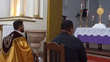 Primeiro dia da Adoração com o Terço da Misericórdia