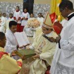 Parabéns ao bispo diocesano de Viana pelo aniversário natalício