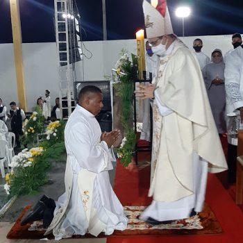 Diácono Anderson é ordenado Presbítero por D. Evaldo em Monção-MA