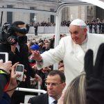 Distrações, aridez e acídia na oração: dificuldades que podem ser vencidas, afirma o papa